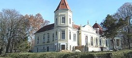 Villa mit altem Baumbestand